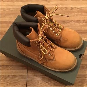NWT Timberland JUNIOR 6-INCH Water-Proof Boots
